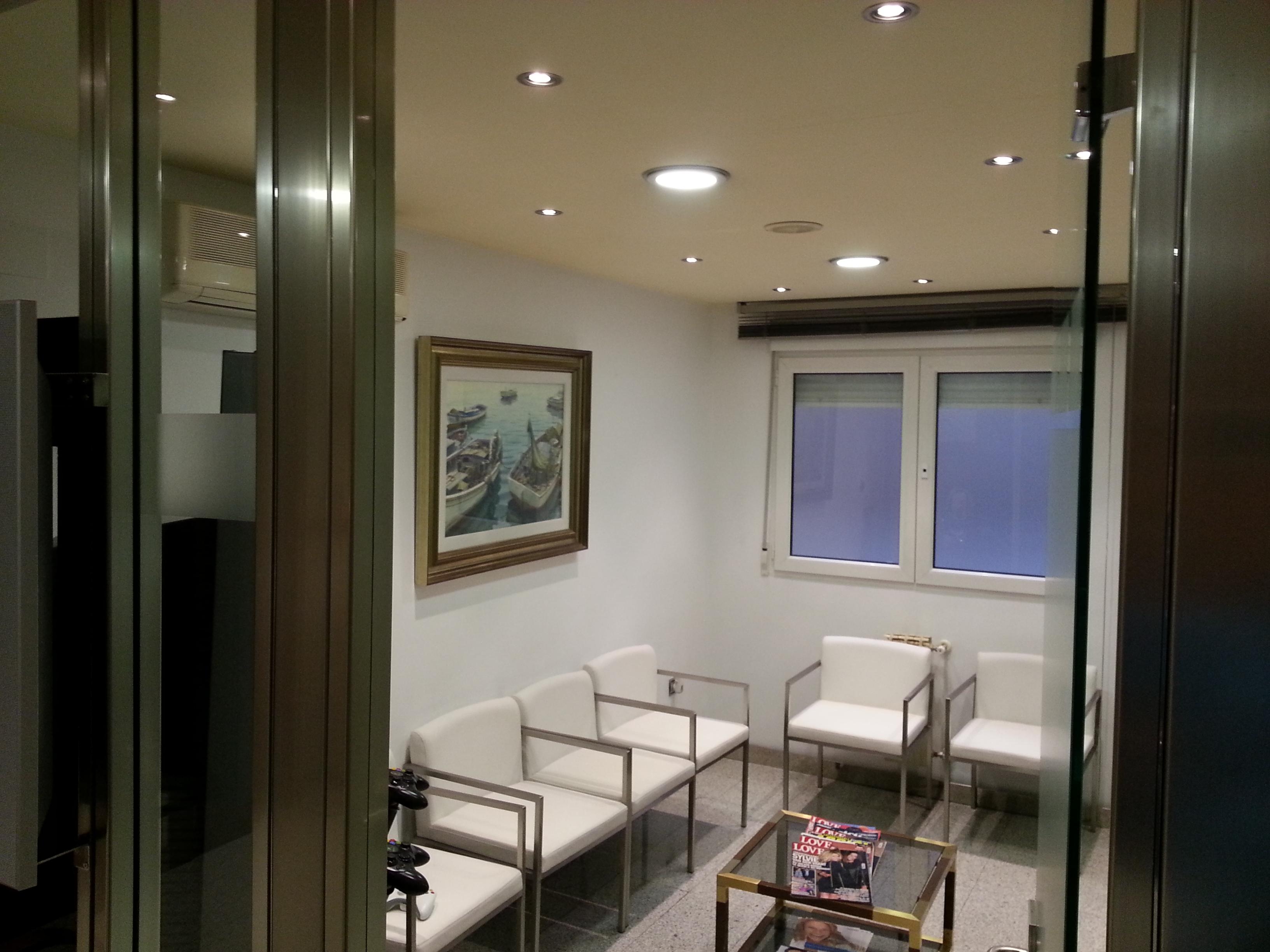 Iluminaci n en granada exteriores interiores comercial for Iluminacion led malaga